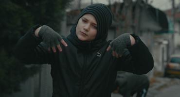 Embedded thumbnail for Улицата не е место за игра-научете ги децата како да бидат безбедни во сообраќајот!